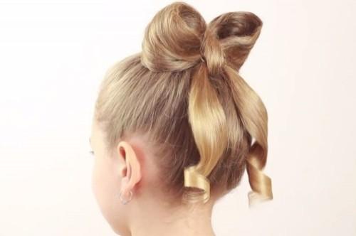 Причёска-бант из волос для девочки