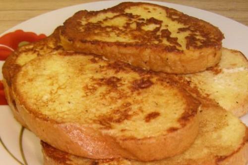 Что можно приготовить на завтрак из яиц